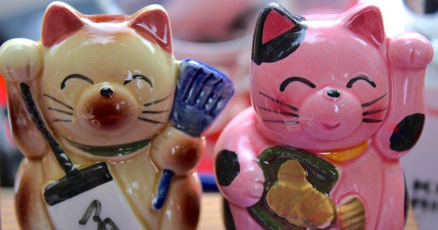 colo gato chino de la suerte