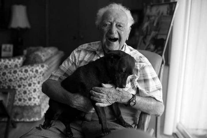 beneficios perro anciano Lionel's Legacy