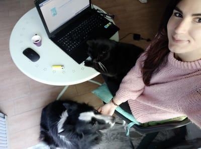 flavia chianese con cane e gatto
