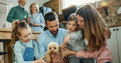 familia con caniche