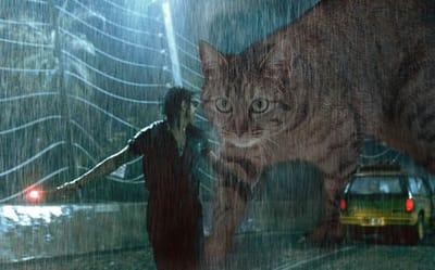 doctor Ian Malcolm huye lluvia gato  Jurassic Park