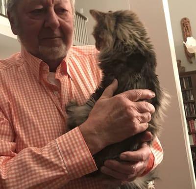 abuelo y tiger el gato