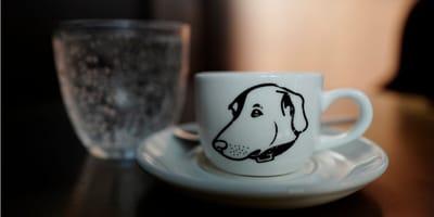 Filiżanka z rysunkiem psa