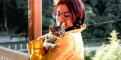 crazy cat lady: myth or reality?