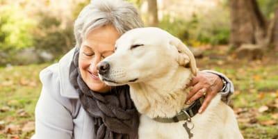 Psy z misją, czyli czworonogi, które przywracają uśmiech na twarzach seniorów!