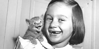 Paula Chandoha  z kociakiem