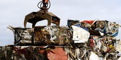 Unglaublicher Fund in der Müllpresse