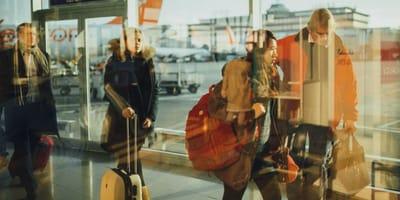 Lotnisko_podróżni