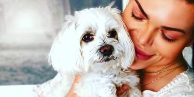 Mademoiselle Nicolette und ihr Hund sind stets zusammen