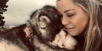 Opiekunka musi uśpić ukochanego psa. Zanim się pożegna, dziękuje mu za przyjaźń w przepiękny sposób