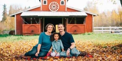 Eine glückliche Familie - aber einer fehlt