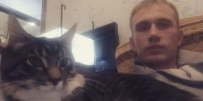 video instagram hombre obliga recoger tierra gato maltrato