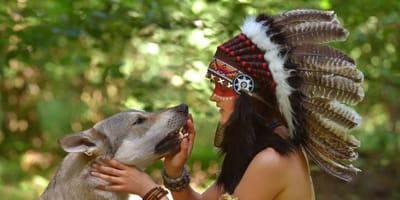 Indianer mit Hund