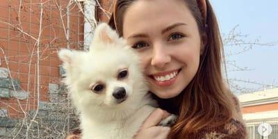 Coronavirus: modella ucraina non lascia Wuhan senza il suo cane