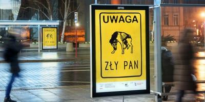 Plakaty na przystankach w całym kraju