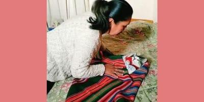 Mujer usa técnica ancestral para arrullar a su michi y conquista Internet