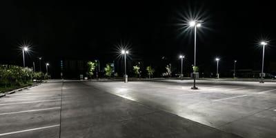 Nächtlicher Parkplatz