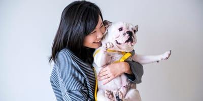 Koreanka z psem