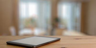 tablet su un tavolo