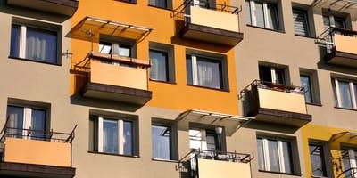 blok z balkonami