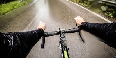 kierownica rowerowa z perspektywy rowerzysty
