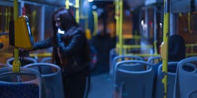 Kontrola autobusu: kierowca jest wstrząśnięty, kiedy odkrywa, z czym jeździł cały dzień