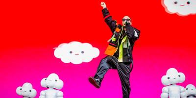 J Balvin bailando en el escenario