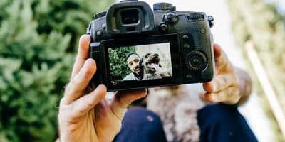 hombre fotografia perro camara