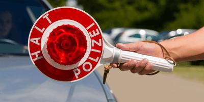 Zoll stoppt Auto: Beim Anblick der Rückbank bleibt den Beamten das Herz stehen!