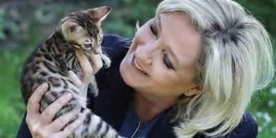 Französische Rechtspopulistin Le Pen: Was steckt wirklich hinter den Kätzchen-Fotos?