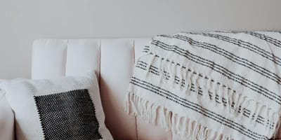 sofa de un apartamento