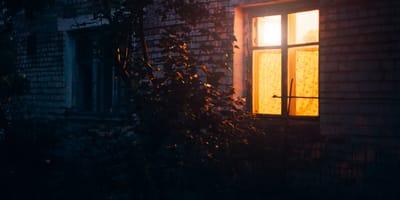 Dom w nocy.