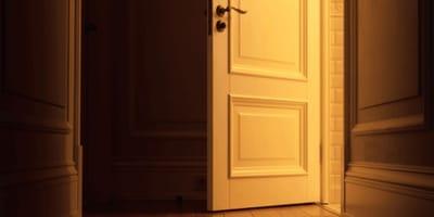 Fetore da un appartamento: vicini e polizia in preda alla nausea