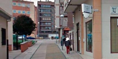 14 meses de cárcel por matar a 2 crías de gato en plena calle en A Coruña